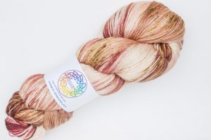 BFL-Silk 4-ply 150g - cream with turquoise and rust speckles