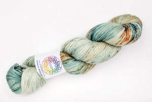 BFL-Silk 4-ply 100g - mint green with rust speckles
