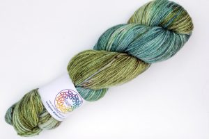 Merino-silk-cashmere 70-20-10 4-ply green and turquoise with dark speckles