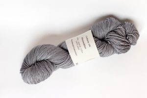 100% Bluefaced Leicester Moonshine - mid-grey